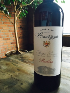 Cantina di Casteggio Moscato A lovely white wine with rich fruity notes